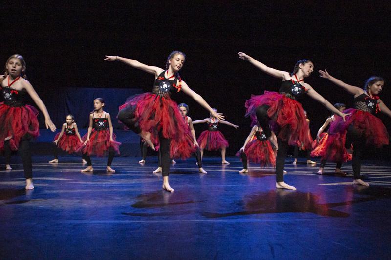 spectacle danse ellzidanse theatre saintes charente maritime (12)
