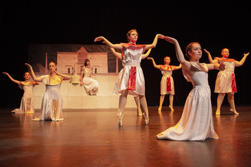 spectacle danse ellzidanse theatre saintes charente maritime (18)