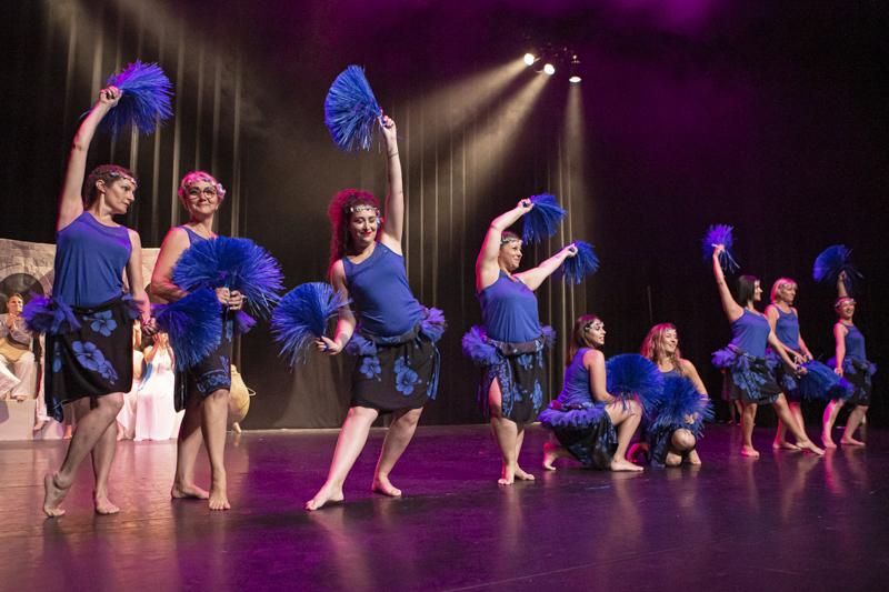 spectacle danse ellzidanse theatre saintes charente maritime (23)