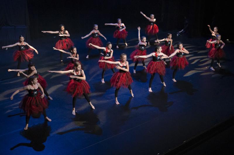 spectacle danse ellzidanse theatre saintes charente maritime (33)
