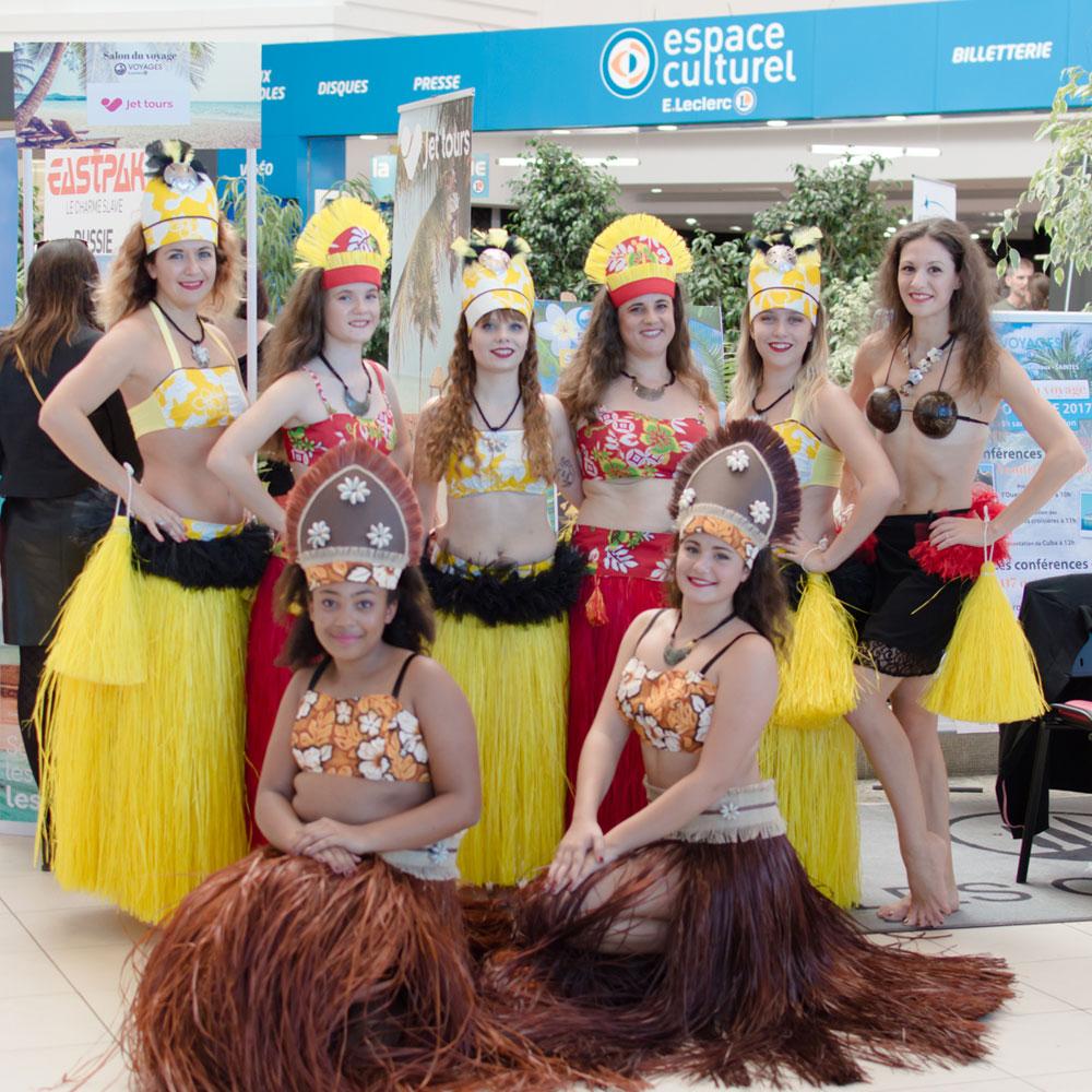 danse-tahitienne-leclerc-saintes-(17)