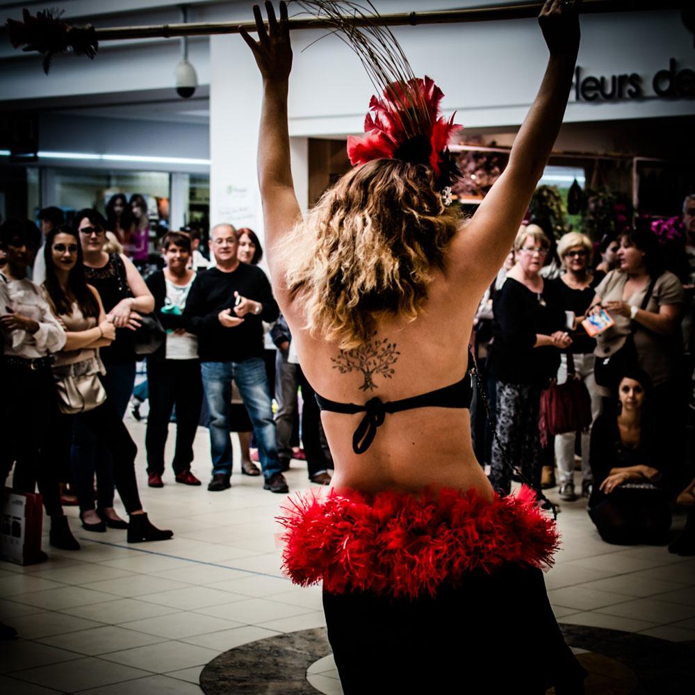 danse-tahitienne-leclerc-saintes-(23)