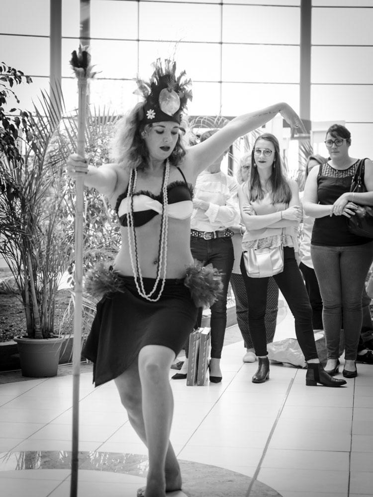 danse-tahitienne-leclerc-saintes-(24)