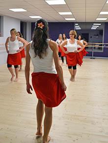 Prof-danse-tahitienne-Ellzidanse-Saintes